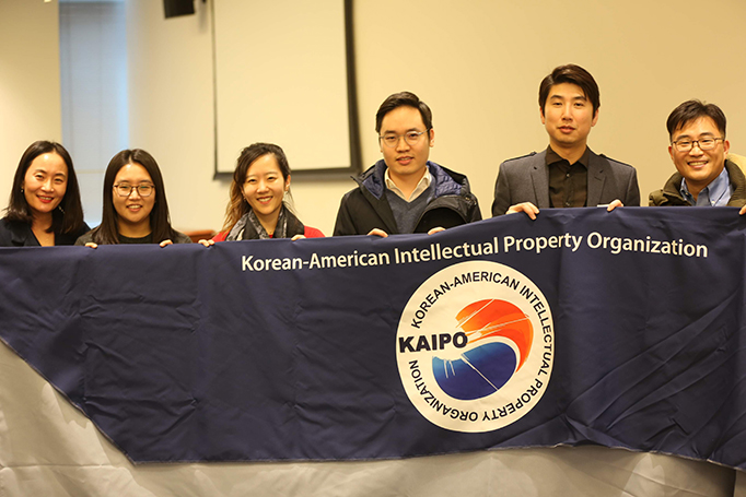 Thomas Hong and officers from the Korean-American IP Association