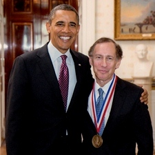 Robert Langer poses with President Barack Obama