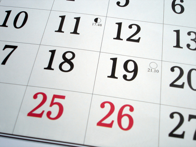 Calender with the 25th and 26th highlighted in red