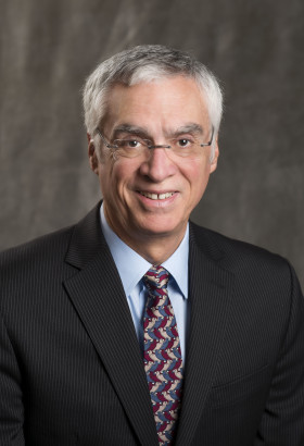 Portrait of Bob Perciasepe, President of the Center for Climate and Energy Solutions